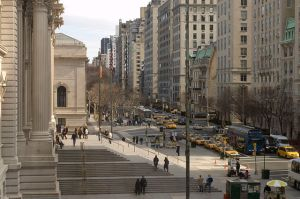 640px-Photograph_of_Fifth_Avenue_from_the_Metropolitan—New_York_City