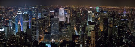 800px-New_York_Midtown_Skyline_at_night_-_Jan_2006_edit1
