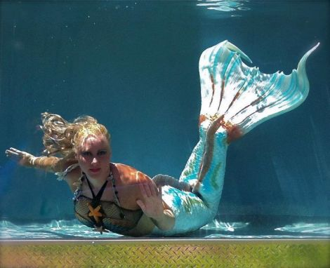 real-mermaid-model-melissa-dawn
